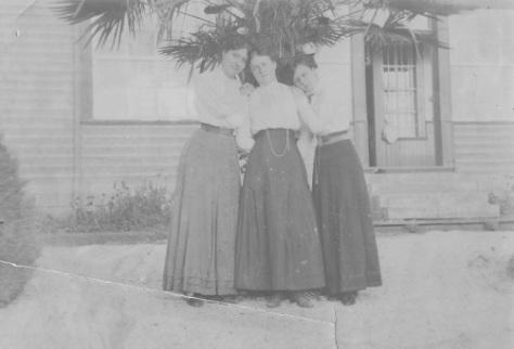 abuelas-1910-bmp