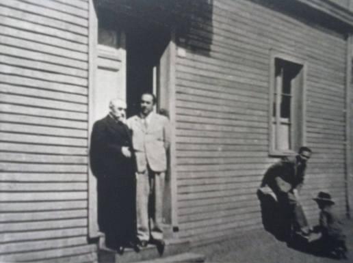Temuco 1938 Neruda con su padre